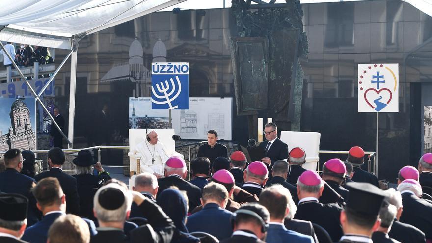 """El papa recuerda el odio """"en nombre de Dios"""" contra los judíos en Eslovaquia"""