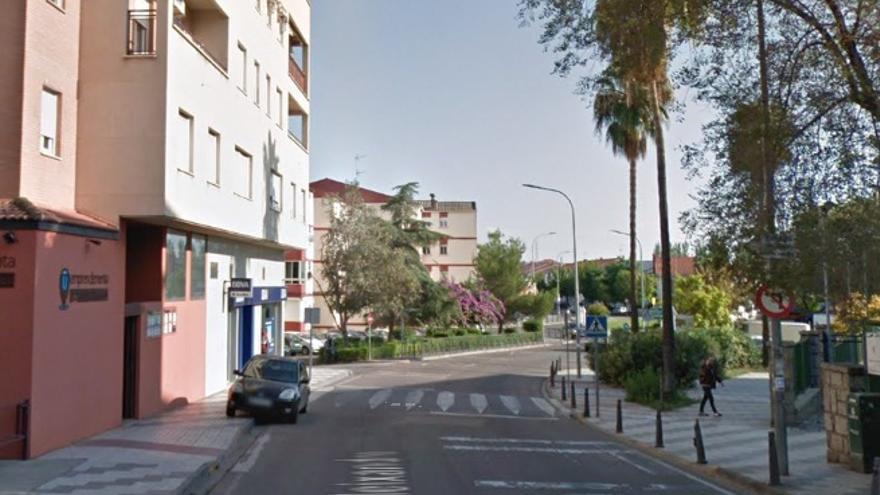 Calle Vicente Aleixandre de Mérida, donde ha aparecido muerto el indigente