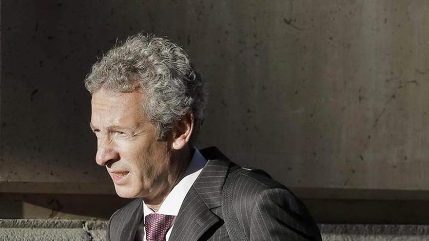 El juez cita a exaltos cargos de la Generalitat por las presuntas comisiones de la banca