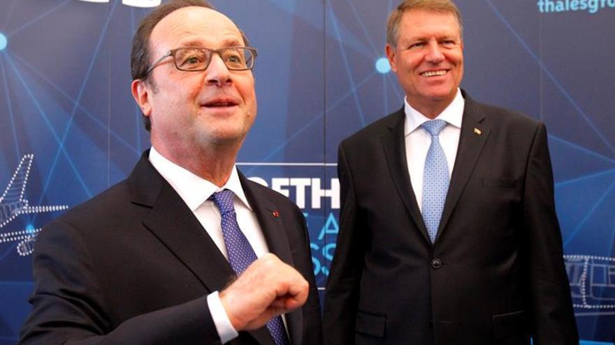 Hollande apoya la investigación sobre la contratación de Barroso por Goldman Sachs