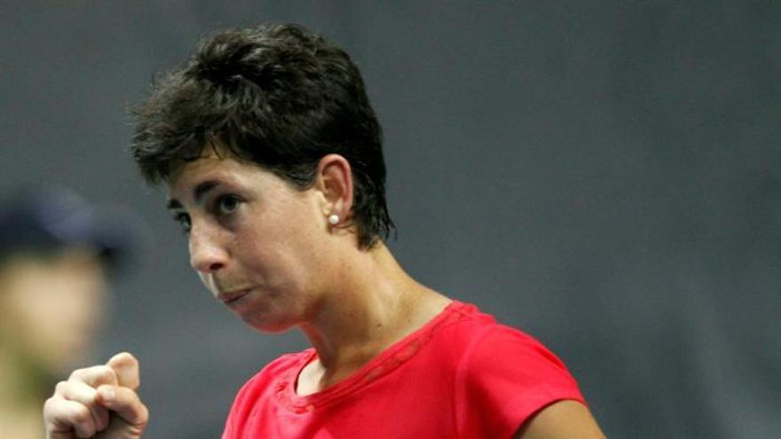 La tenista grancanaria Carla Suárez durante el encuentro de la Copa Federación frente a Jelena Jankovic.