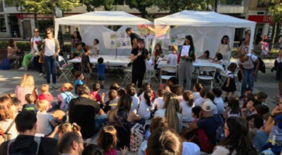 Fiesta infantil en la plaza de Chamberí