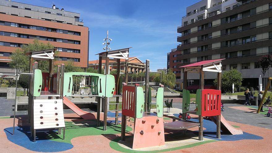 Las obras de la cubierta de los columpios de la Plaza Desierto, en Barakaldo, comenzarán a inicios de noviembre