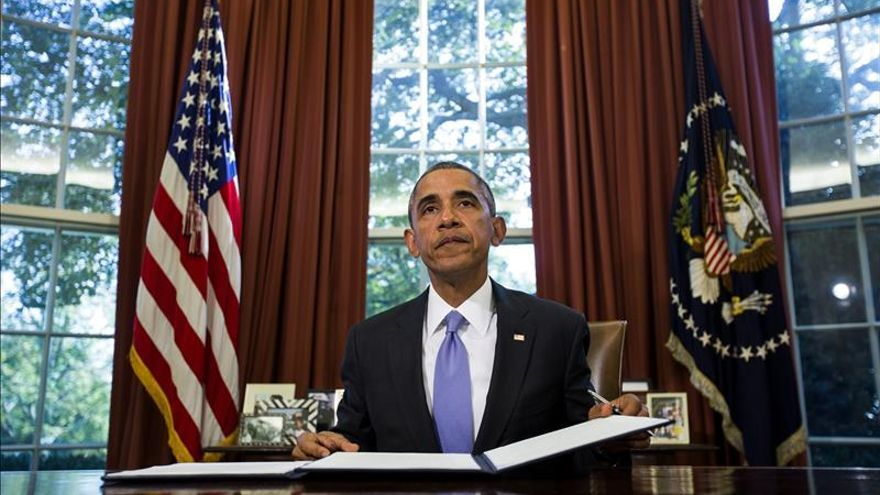 Obama firma una nueva ley educativa que les devuelve poder a los estados de EE.UU.
