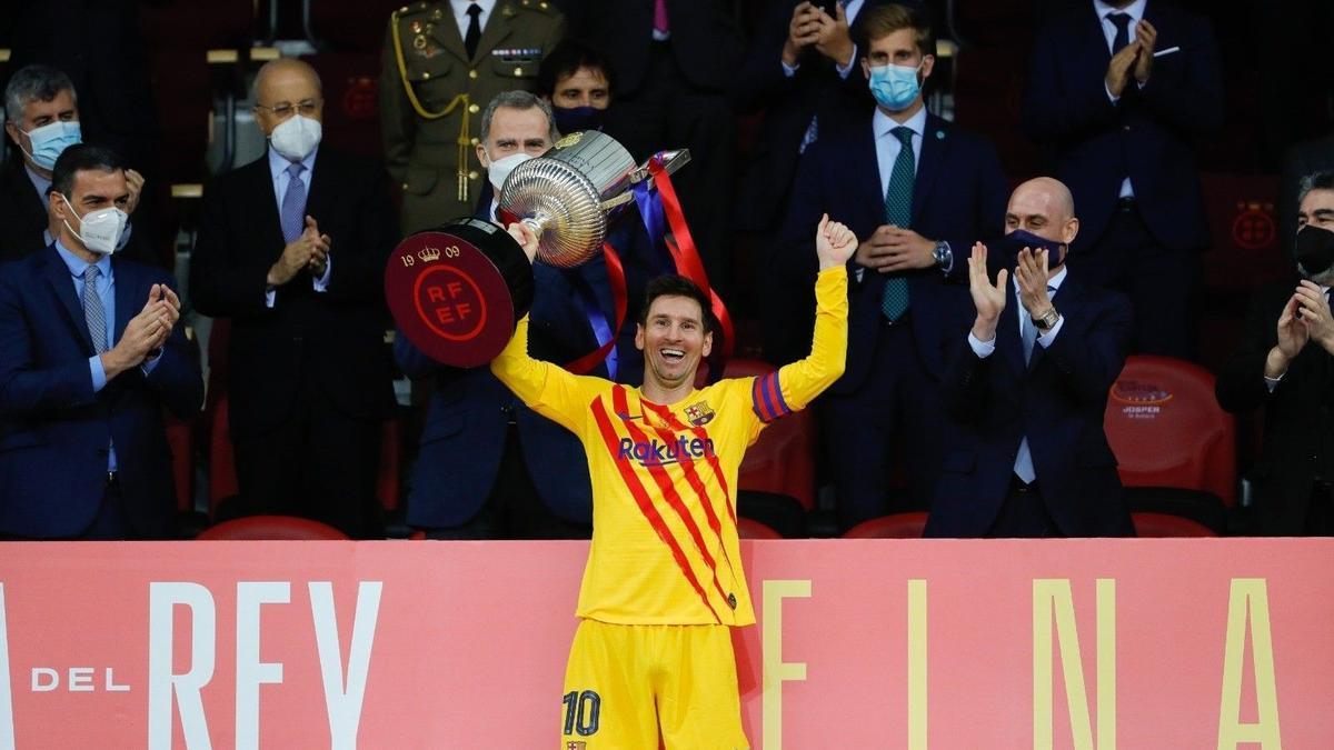 Messi alza la Copa del Rey