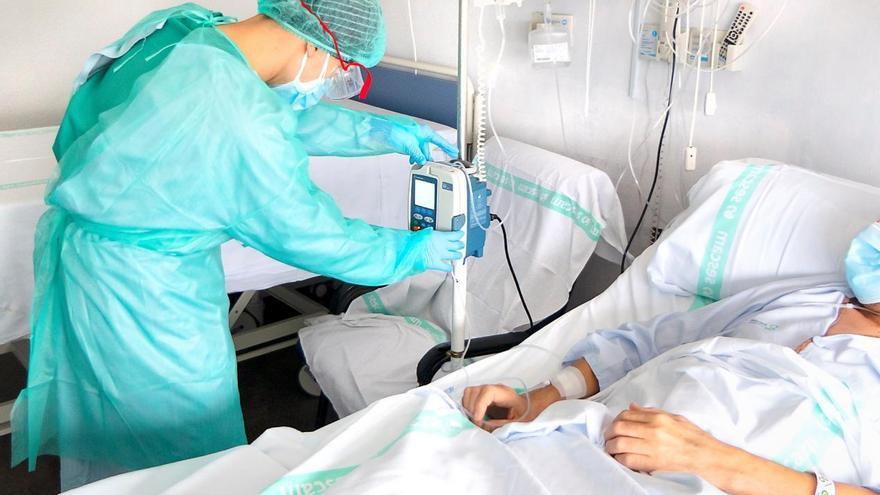 El fin de semana dejó casi 6.700 contagios en Castilla-La Mancha y 1.428 hospitalizados