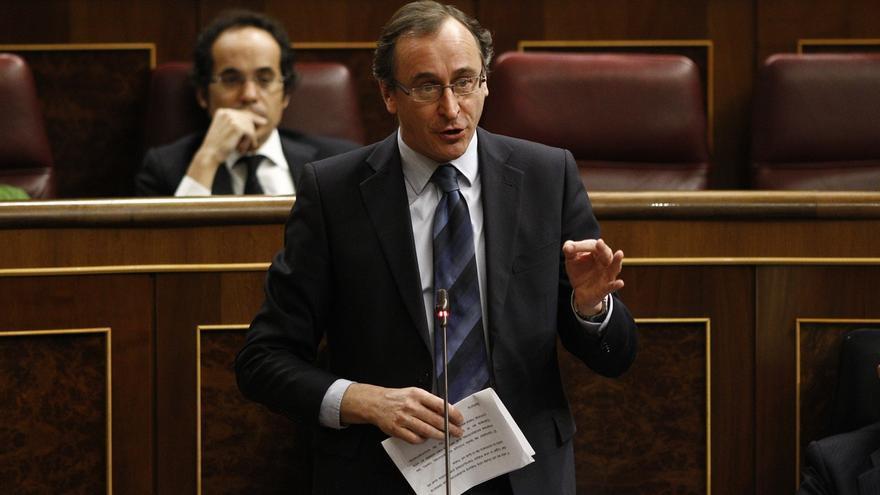 """Alonso cree que """"el PP no tiene alternativa"""" porque el PSOE es """"desconcierto"""" y Podemos """"ruptura"""""""