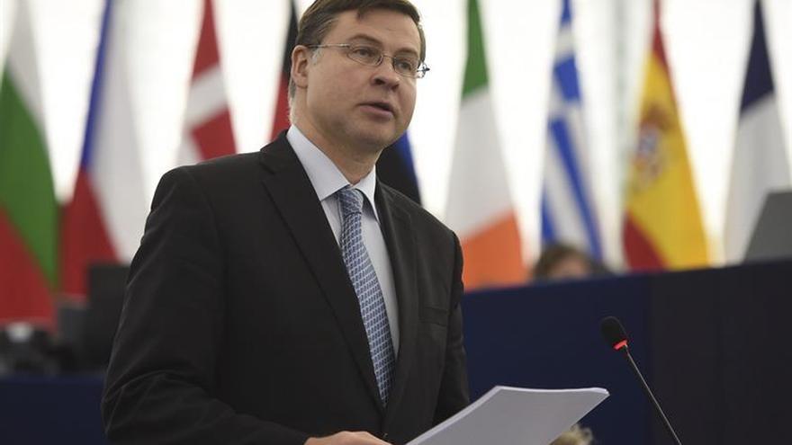 """La CE dice que valora los esfuerzos en España y aplicará las normas """"con inteligencia"""""""