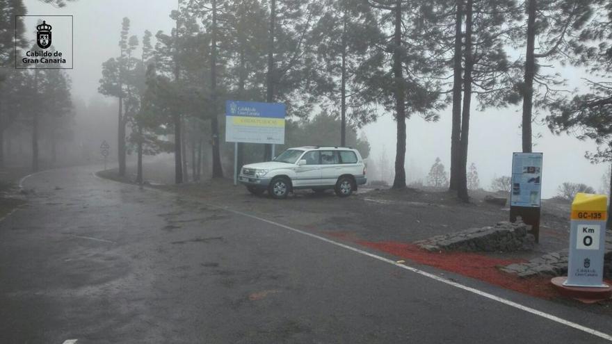 Estado de las carreteras de la cumbre de Gran Canaria este sábado tras derretirse la nieve.