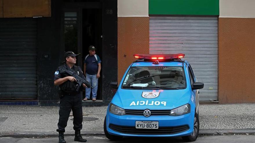 Los narcos imponen un toque de queda en el centro de Río por la muerte de un capo