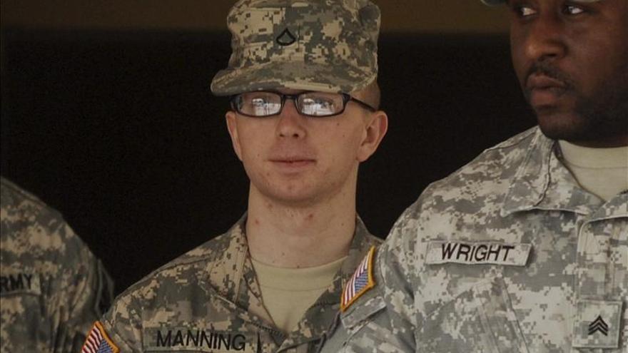 Manning dice que filtró datos a Wikileaks para mostrar abusos militares