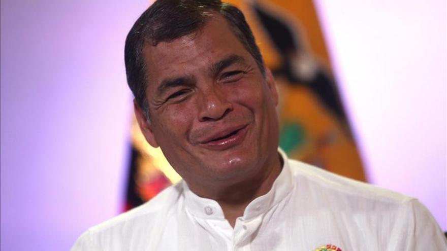 Correa dice que la Celac realiza nuevas gestiones para reunir a Santos y Maduro