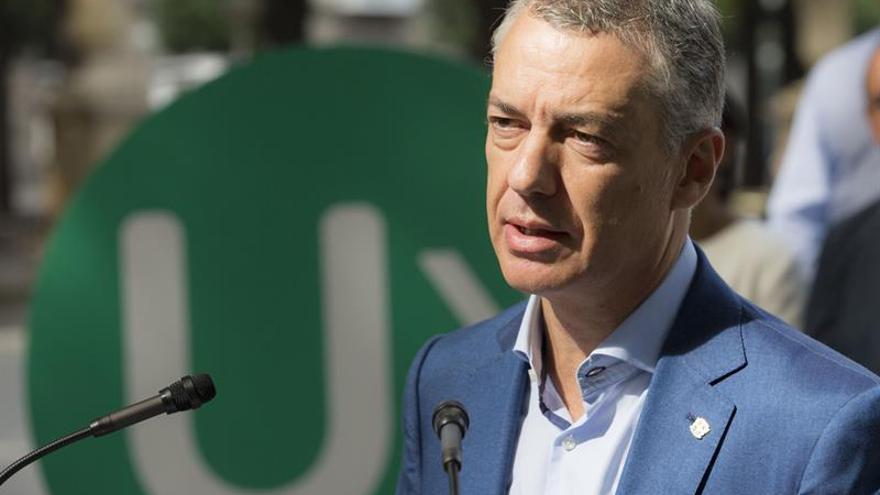 Urkullu dice que no cree en la vía unilateral como la de Cataluña