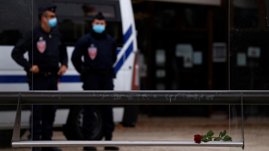La Policía francesa ha detenido a nueve personas por el atentado terrorista de París.