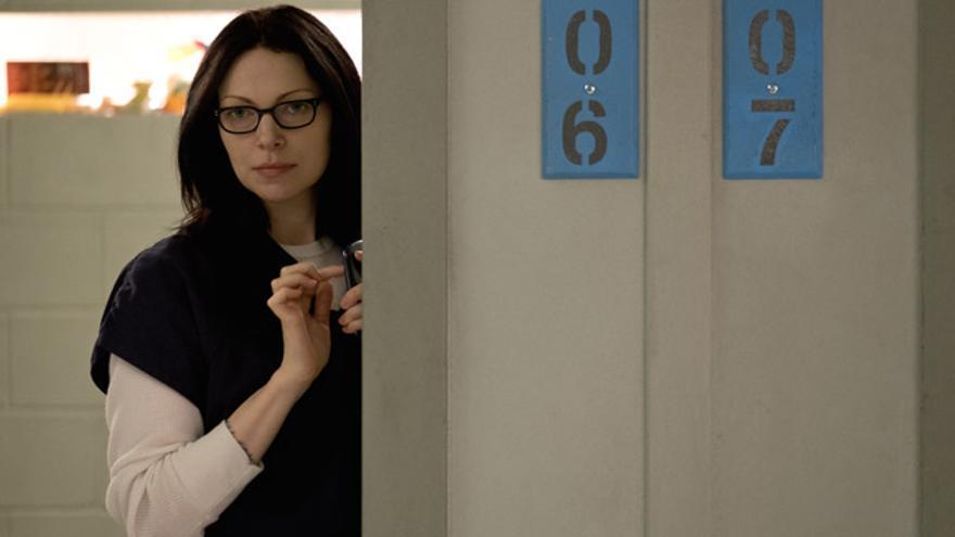 Alex (Laura Prepon).