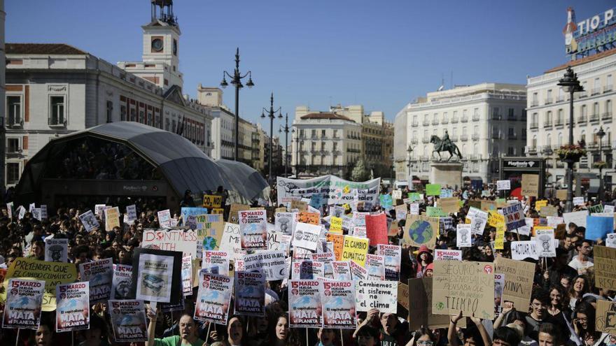 Marcha del 15M verde en la Puerta del Sol en Madrid / Olmo Calvo.