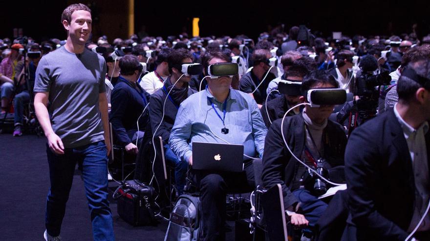 Zuckerberg, Presidente de Facebook. Barcelona. 2016. La incomunicación en compañía como problema social
