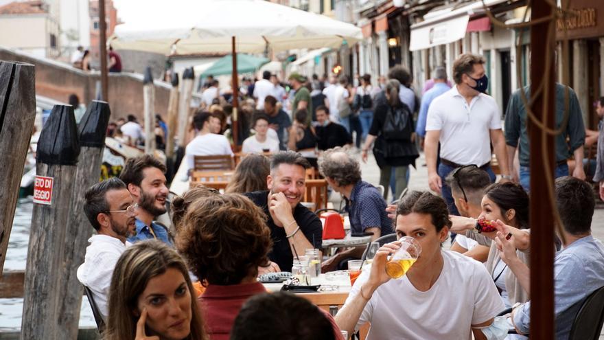 Italia suma 679 nuevos contagios de coronavirus y 42 fallecidos