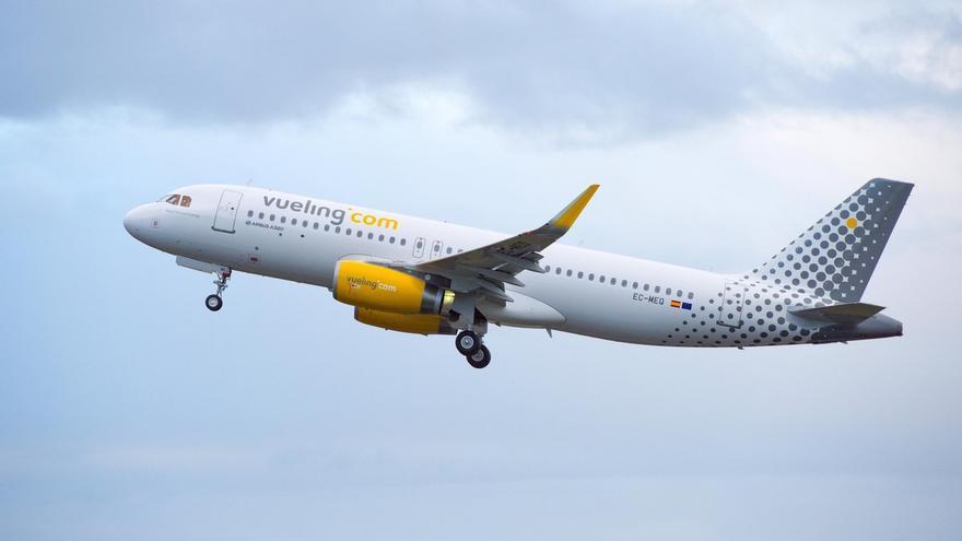 Vueling cancelará el 31 de octubre la conexión Santander-París