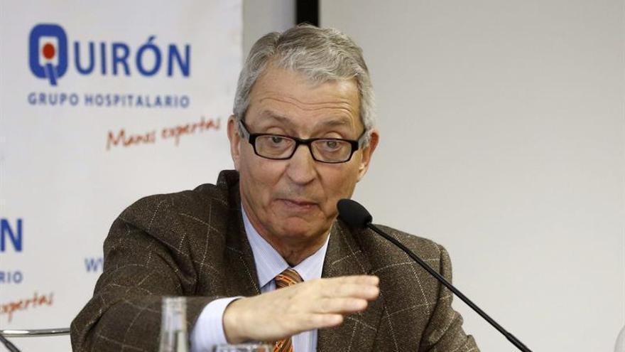 Miguel Cabanela, el doctor que operó al Rey Juan Carlos, premiado en Galicia