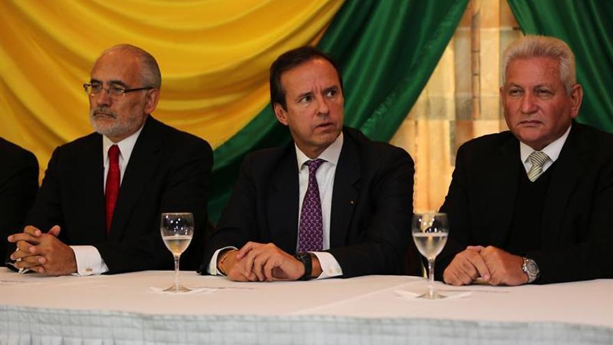 La oposición boliviana presenta un recurso contra el intento de reelección de Morales