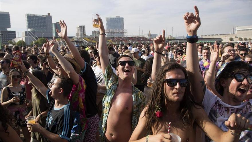 El Primavera supera las 200.000 personas y pide la reforma urgente del Fórum