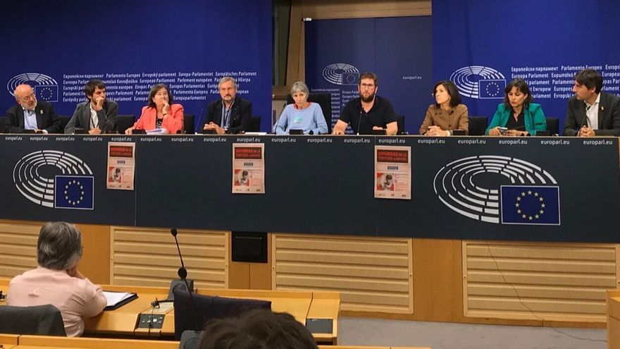 Rueda de prensa en Bruselas de eurodiputados y víctimas del franquismo.
