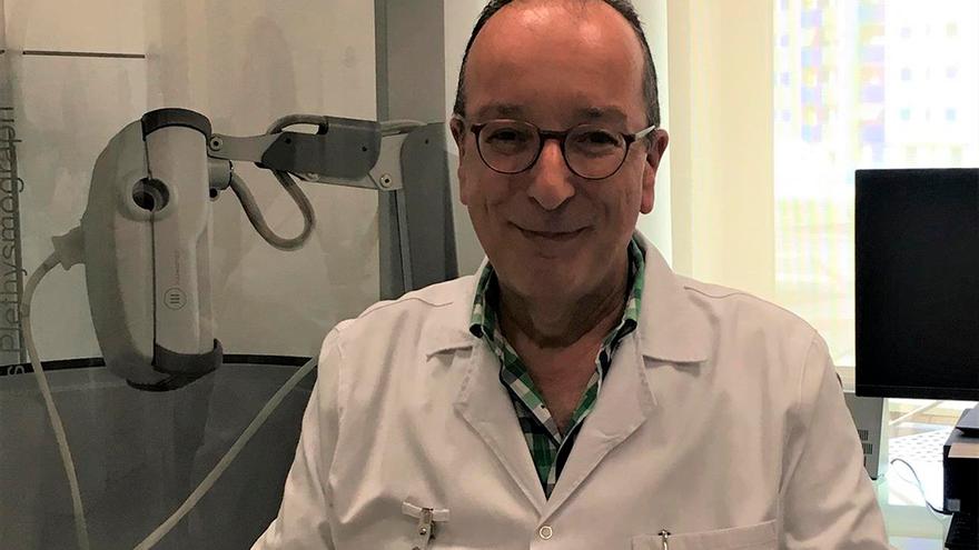 El jefe de servicio de Neumología del Hospital Quirónsalud Córdoba, Luis Manuel Entrenas.