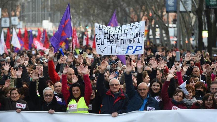 """Los taxistas vuelven a las calles de Madrid contra la """"uberización"""""""