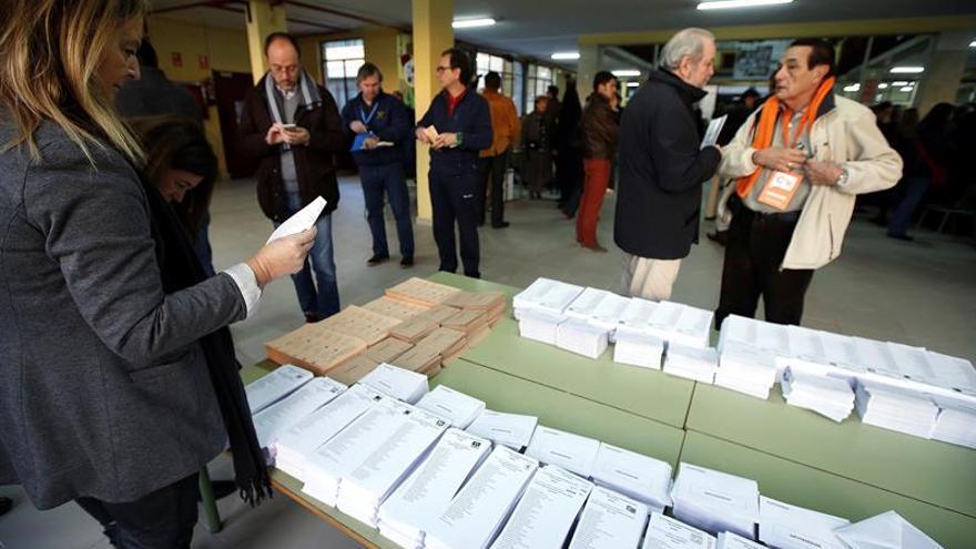 Repetir las elecciones: Un gasto de 136 millones de difícil reducción
