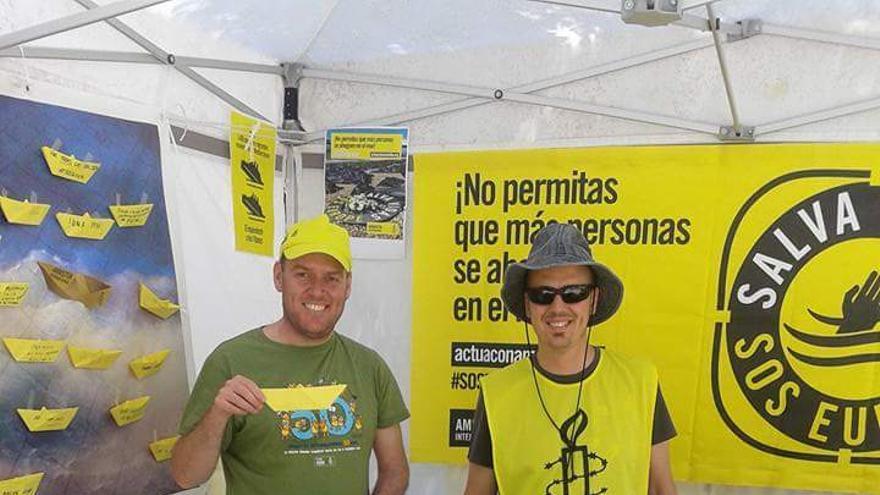 Recogida de firmas de Amnistía Internacional Toledo