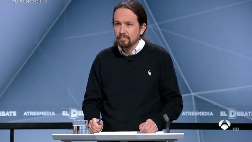 Pablo Iglesias con el jersey de 198 en el debate electoral