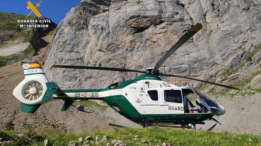 El helicóptero de la Benemérita ha evacuado el cádaver