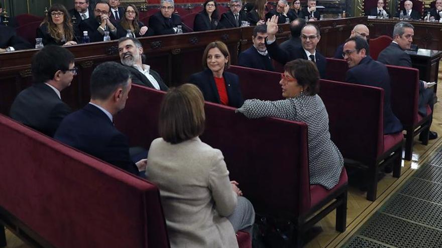Presos y demás acusados en una sesión del juicio del procés