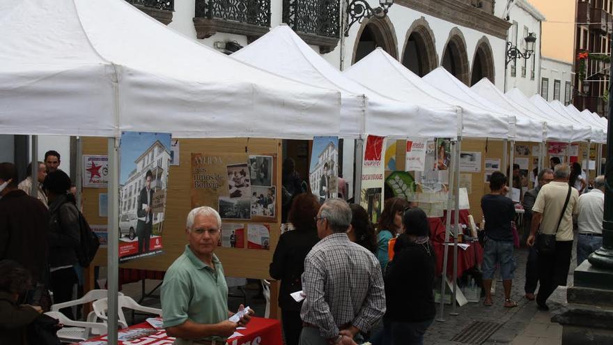 Imagen de archivo del Día Mundial del Voluntariado en la Calle Real de Santa Cruz de La Palma.