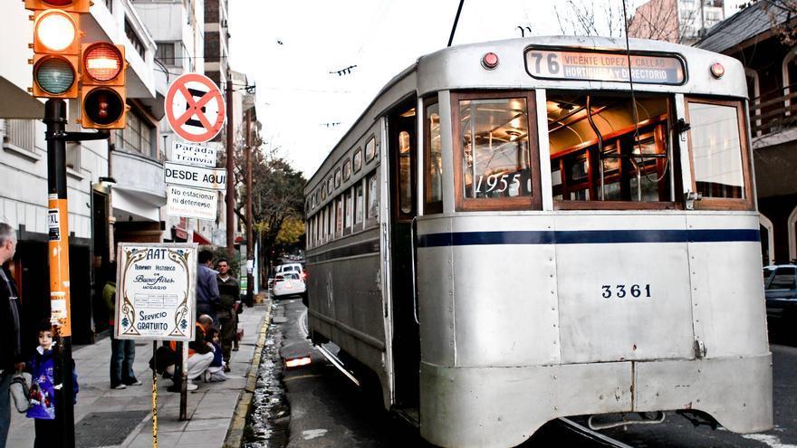 Coche de los años 50 del antiguo tranvía de la ciudad de Buenos Aires en Caballito. VIAJAR AHORA