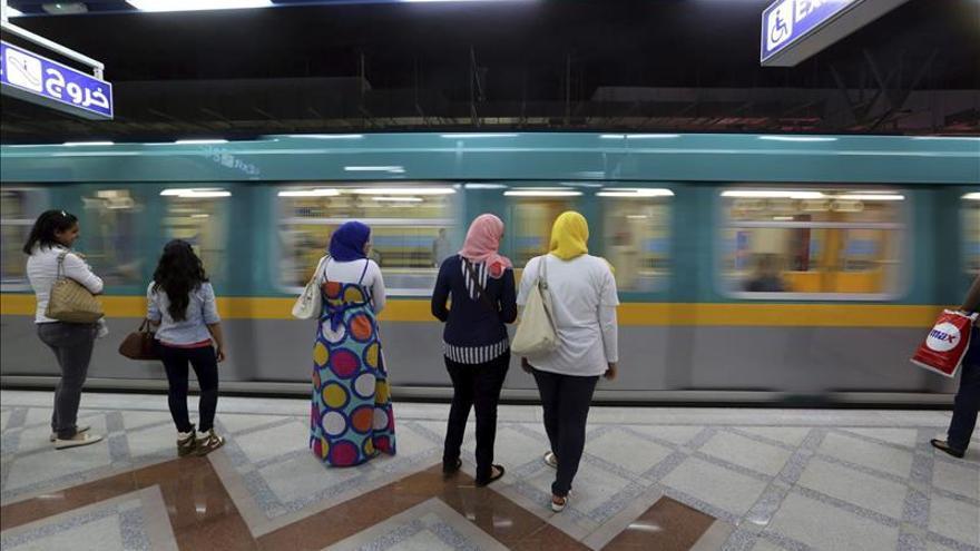 Al menos 16 heridos por el estallido de una bomba en el metro de El Cairo