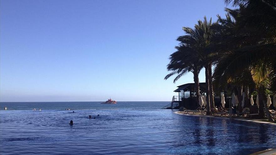 Fomento vigila la costa sur de Gran Canaria tras detectar ayer restos de fuel