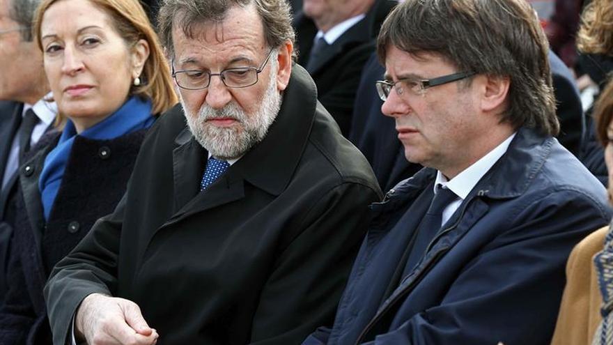 Rajoy y Puigdemont encabezan el homenaje a las víctimas de Germanwings en Barcelona