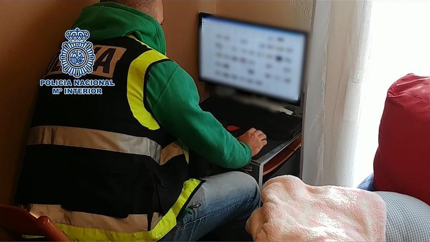 Detenidas 11 personas, una en Santander, por descargar material pedófilo de Internet