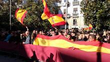 Despliegue de banderas españolas durante La Toma 2019
