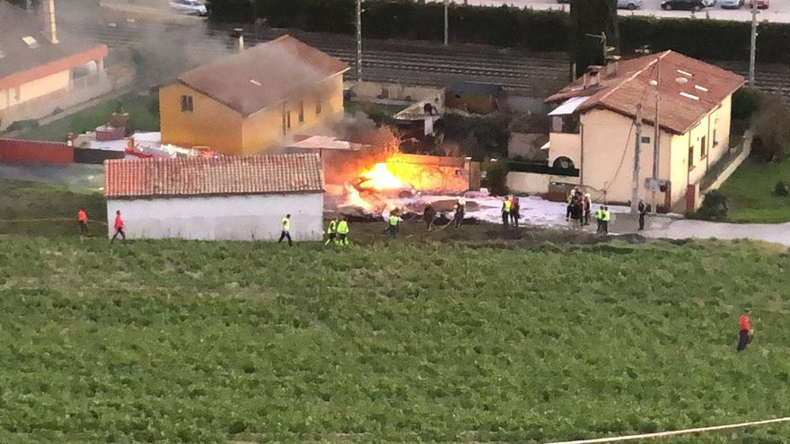 Un fallecido al estrellarse una avioneta en Noain (Navarra)