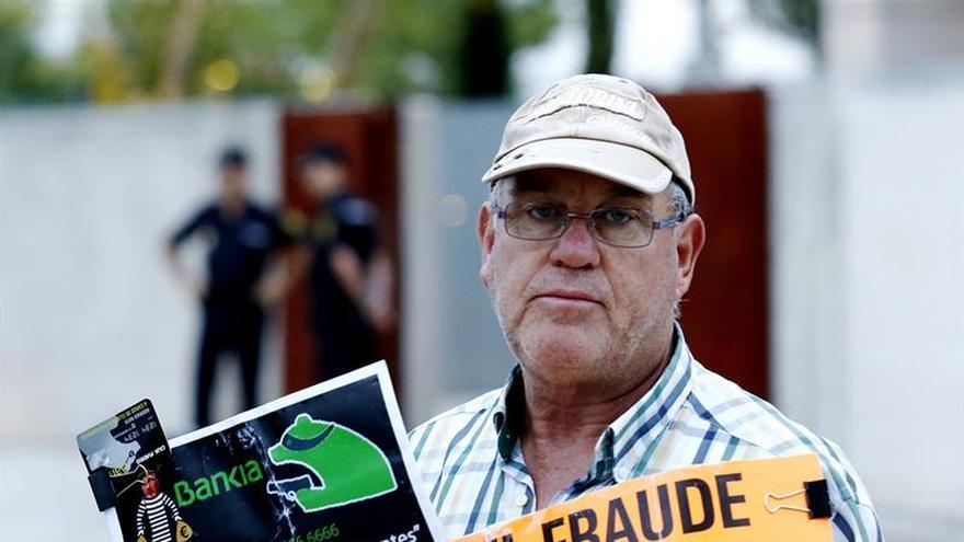 Un juez rechaza la macrodemanda de Adicae por las preferentes de Caja Madrid