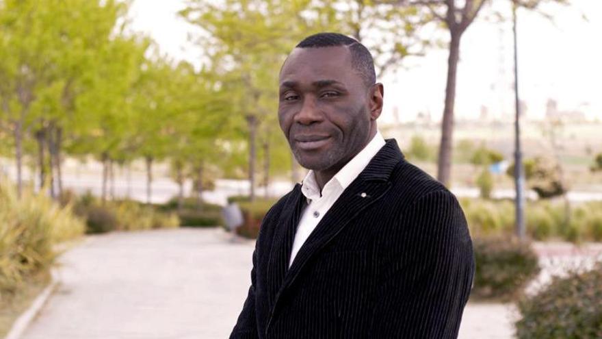 Un exboxeador de origen guineano salta al ring de la política