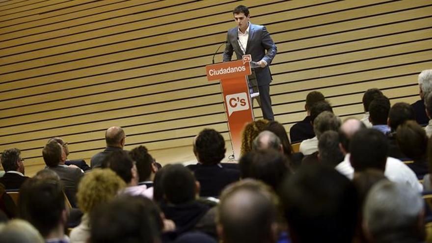 Rivera celebra la dimisión de Trillo pero insta al Gobierno a disculparse