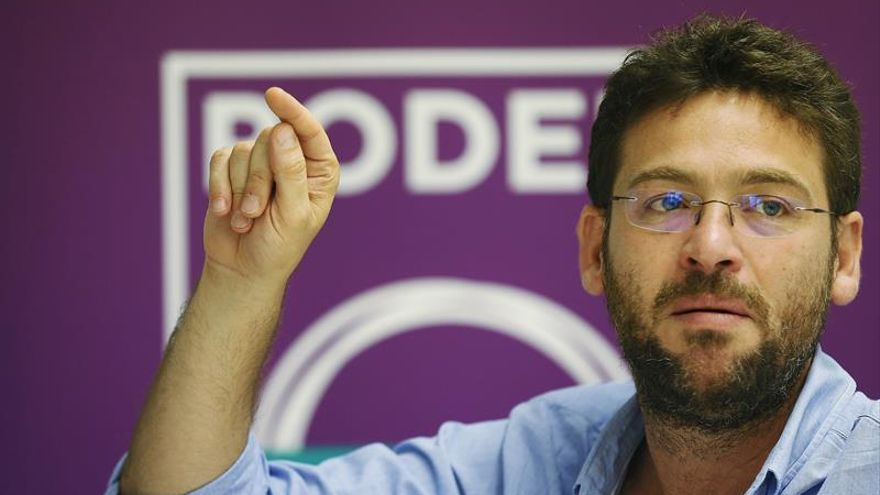 """Fachin acusa a PDC y PP de """"teatralizar"""" un choque para esconder su sintonía"""
