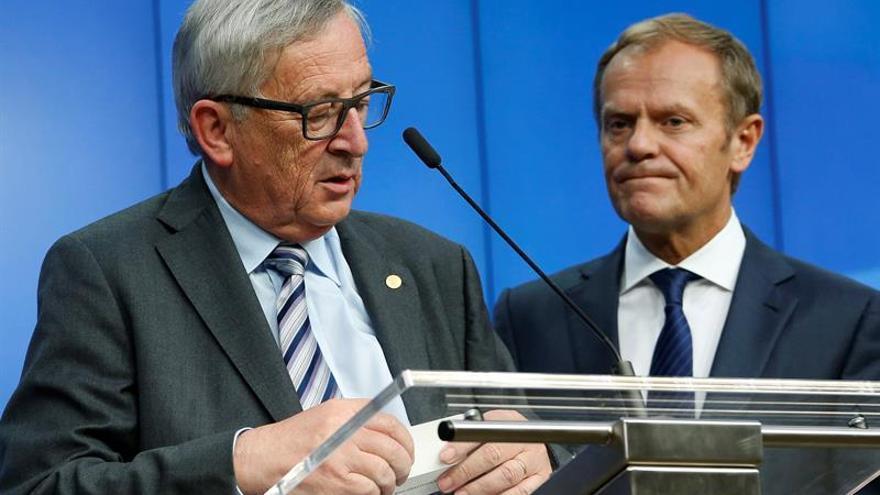 Juncker y Tusk hablarán con Obama el viernes sobre terrorismo y refugiados