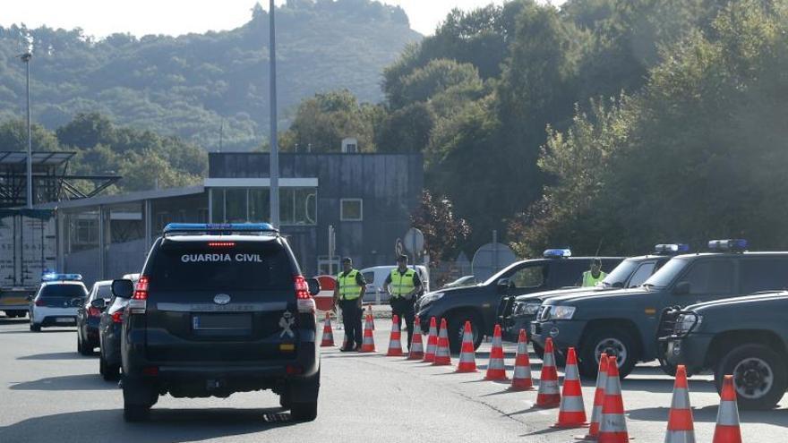 Normalidad en el tráfico en la frontera de Irún, sin retenciones de vehículos