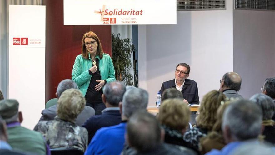 """El PSOE insta a Rajoy a actuar para """"dar marcha atrás"""" en el cierre de RTVV"""