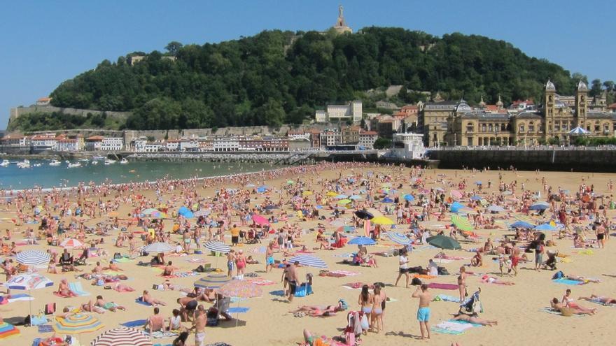 Un total de seis playas guipuzcoanas lucen este lunes banderas amarillas